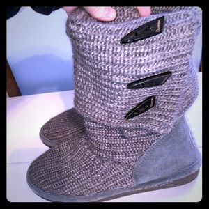 Button (short or tall) Bearpaw Boots